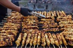 Souvlaki grego Alimento tradicional saboroso da carne do cooki da galinha fotografia de stock