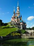Sova den Beautys slotten på Disneyland Paris Arkivfoto
