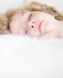 sova för barn Arkivfoto