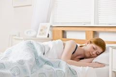 sova kvinna för underlag Fotografering för Bildbyråer