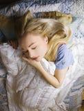 sova kvinna för underlag Royaltyfri Fotografi