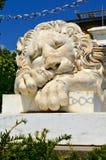Sova lejonet av vit marmor Fotografering för Bildbyråer