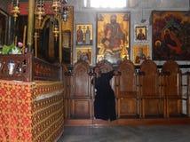 SOVA PRÄSTEN, KYRKA AV KRISTI FÖDELSEN, BETLEHEM, ISRAEL Royaltyfria Foton
