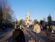 Sova skönhets slott i Disneyland Paris Royaltyfri Bild