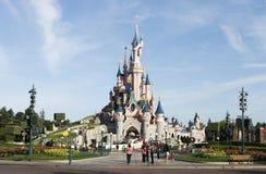 Sova slott för skönhet i eurodisney Arkivbilder