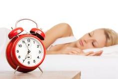sovande kvinna Arkivfoto