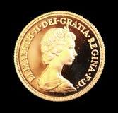 Sovereign 1980 d'or d'Australien sur le fond noir Images stock