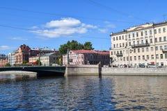 Sovetskaya Den Fontanka flodinvallningen i StPetersburg Arkivfoton