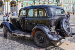 Soviet car GAZ-M1 of times of World War II on the military-patriotic action on Palace Square, Saint-Petersburg. SAINT-PETERSBURG, RUSSIA - JUNE 22, 2016: Soviet stock photos