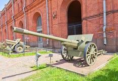 Soviet 107 mm gun M1910/30. In Artillery Museum of Saint Petersburg.  Based on Schneider French gun 1910, was used in WWII Stock Photos
