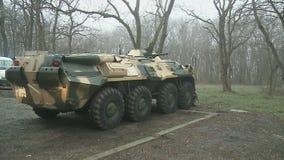 Sovjet gepantserde troep-drager stock videobeelden
