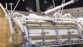 Sovjet ruimtesatelliet in Ruimtemuseum stock video