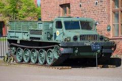 Sovjetisk artillerilarvtraktor ATS-59 i artillerimuseet av Hameenlina Royaltyfria Bilder