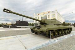 Sovjetisk behållare för strid, en utställning av dethistoriska museet, Ekaterinburg, Ryssland, 05 07 2015 Royaltyfri Foto