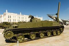 Sovjetisk behållare för strid, en utställning av dethistoriska museet, Ekaterinburg, Ryssland, 05 07 2015 Arkivfoton