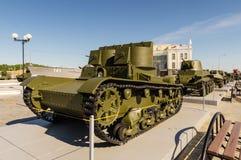 Sovjetisk behållare för strid, en utställning av dethistoriska museet, Ekaterinburg, Ryssland, 05 07 2015 Royaltyfria Foton