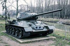 Sovjetisk behållare T-34-85 av världskriget II, krigbransch, kall phot Arkivbild