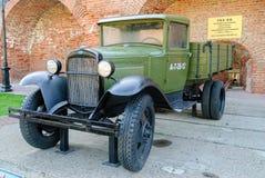 Sovjetisk lastbil GAZ-AA av tider för världskrig II Royaltyfria Bilder