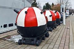 Sovjetiska sjö- ankarminer. Museum av världshavet. Kaliningrad Ryssland royaltyfri foto