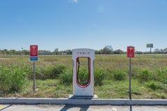 Sovralimentazione di Tesla in Flatonia, il Texas, U.S.A. Fotografia Stock Libera da Diritti