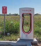 Sovralimentazione di Tesla in Flatonia, il Texas, U.S.A. Immagine Stock