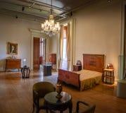 Sovrum för president Getulio Vargas på den Catete slotten - republikmuseum - Rio de Janeiro, Brasilien arkivbilder
