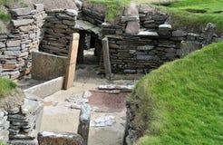 Sovrum i en förhistorisk by. royaltyfri fotografi