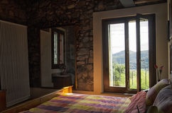 Sovrum i en lyxig lägenhet Fotografering för Bildbyråer