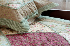 Sovrum i ett hus - hemmiljöer Arkivbilder
