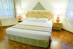 Sovrum i hotell Royaltyfria Bilder