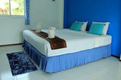 Sovrum i hotellet Royaltyfri Bild