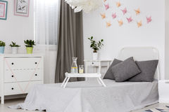 Sovrum med dekoridé för vägg 3D Arkivfoton