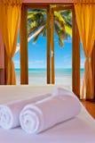 Sovrum på stranden Arkivbild