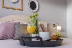 Sovrumfrukostservice royaltyfri fotografi