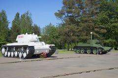 Sowjetische Behälter KV-1 und BT-5 brachten am Museums-Durchbruch der Blockade von Leningrad an - 27 Grad auf Celsius Stockbild