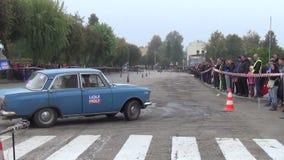 Sowjetischer Autoslalom stock video