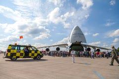 Sowjetischer Russe Antonow An-124 Ruslan auf Berlin-Flugschau Lizenzfreie Stockfotografie