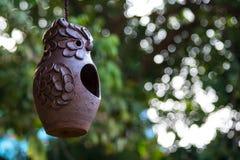 Sowy lali earthenware zrozumienie na dachu Fotografia Royalty Free