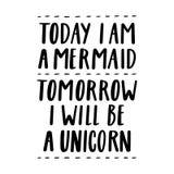 Soy hoy una sirena, yo seré mañana un unicornio El mano-dibujo de la cita de la tinta negra Imagenes de archivo