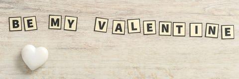 Soyez mon Valentine défini avec les lettres rectangulaires Photos stock