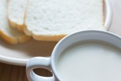 Soymilk и хлеб Стоковые Изображения RF