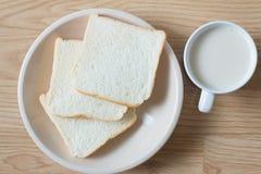 Soymilk и хлеб Стоковые Фотографии RF