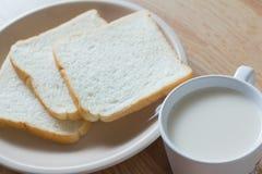 Soymilk и хлеб Стоковая Фотография