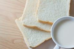 Soymilk и хлеб Стоковое Изображение