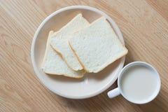 Soymilk и хлеб Стоковое Изображение RF