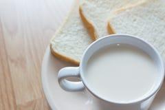 Soymilk i chleb Zdjęcia Stock
