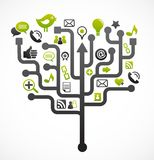 Sozialnetzbaum mit Mediaikonen stockbild