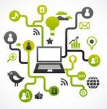 Sozialnetzhintergrund mit Mediaikonen lizenzfreie stockfotos