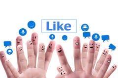 Sozialnetzkonzept der glücklichen Gruppe fingerf Lizenzfreie Stockfotografie