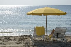 Sozinho na praia. Imagem de Stock Royalty Free